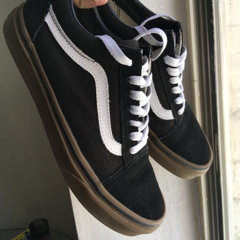 ecd6451766 gum old skool vans in black white stripe. almost brand new