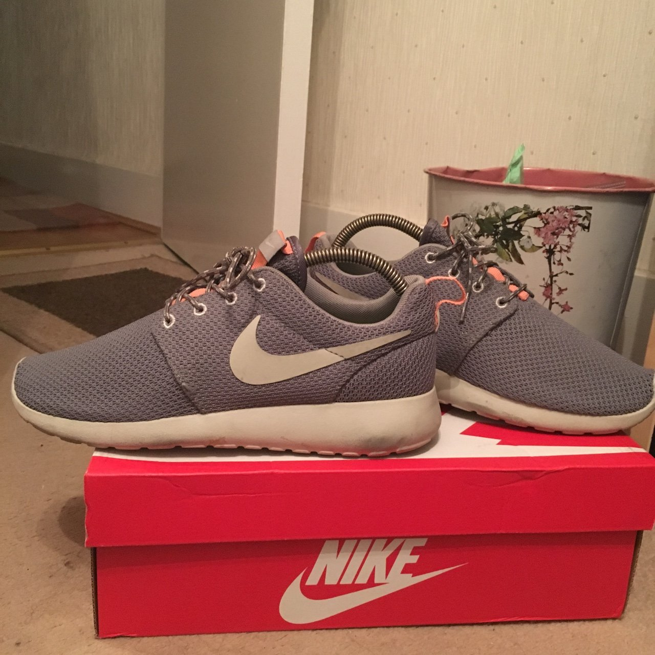 91d23c105af7 Nike Roshe trainers in grey. Size 5 Uk. Worn a couple of and - Depop