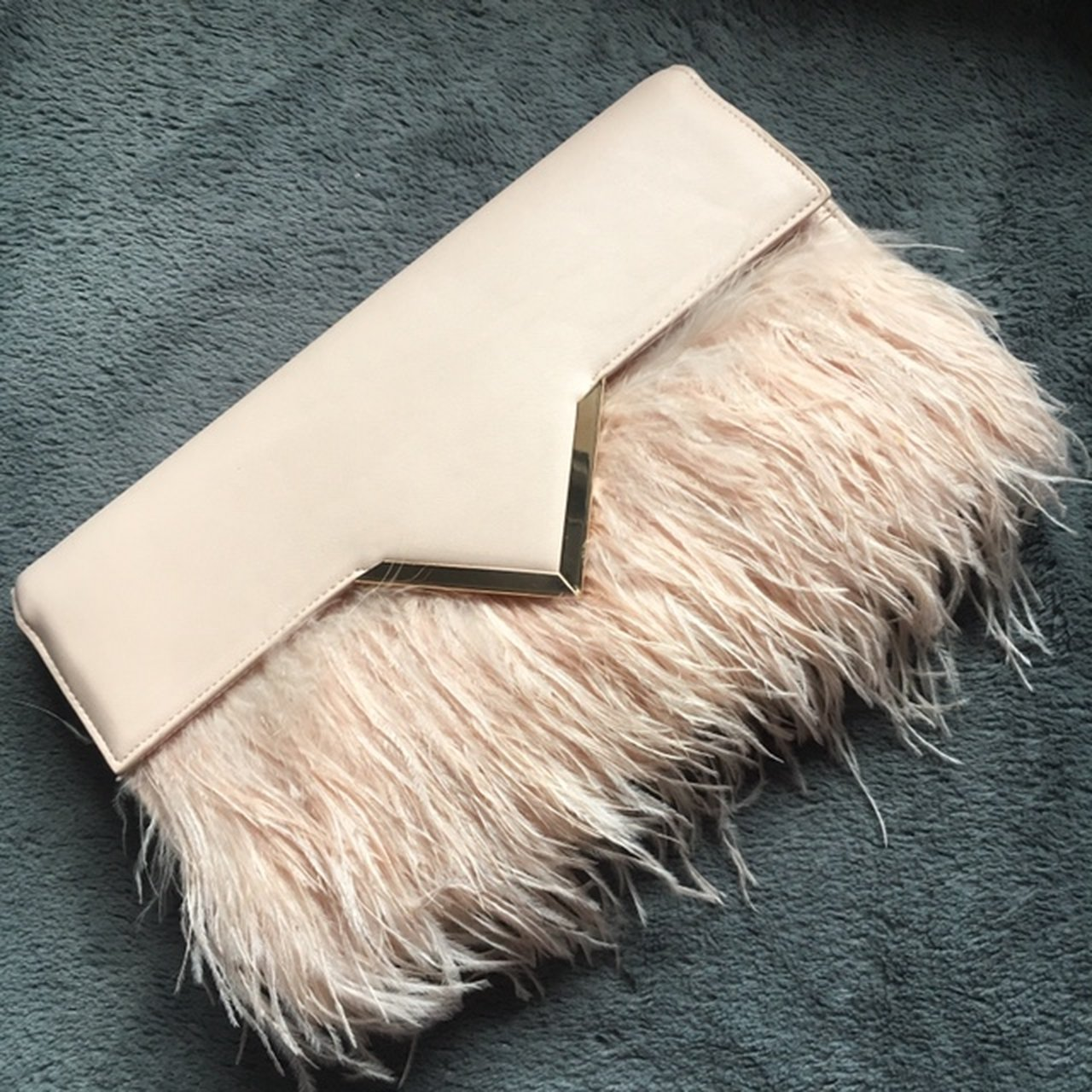 47af9dc0ad Light pale pink feather clutch bag.