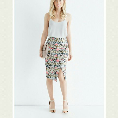 662982979316 @milly__d. 4 months ago. Dublin, Ireland. Oasis jacquard bright floral  pencil midi skirt ...