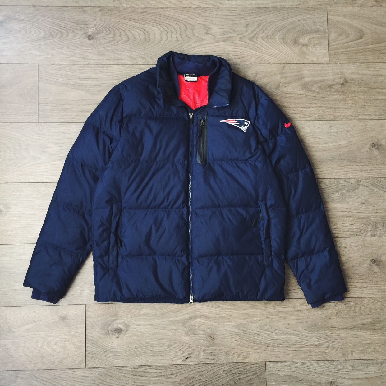 sports shoes e7406 19e62 Vintage Nike NFL Puffer Jacket • Mens Large Pit... - Depop