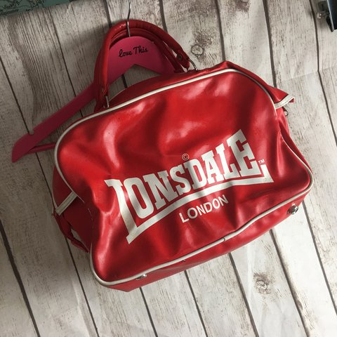 Vintage Lonsdale London red bowling bag Great for mod is in - Depop 7d4162b03769e
