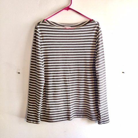 7465d7fa5d703 grey gray and white striped long sleeve sweater top shirt a - Depop
