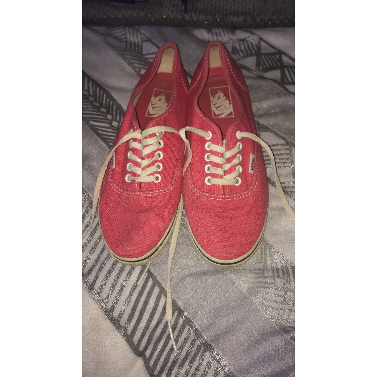 b6d3e0a45961 Brand new limited edition pink vans