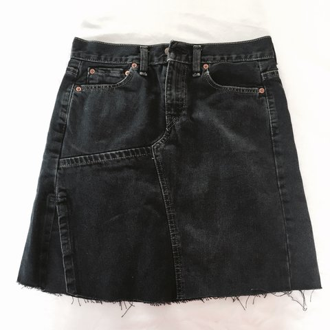 8a2ab743a Dark blue Levis denim skirt 💦 Lovely detail on this skirt a - Depop