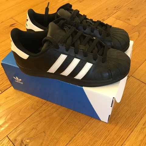 adidas superstar nere maculate