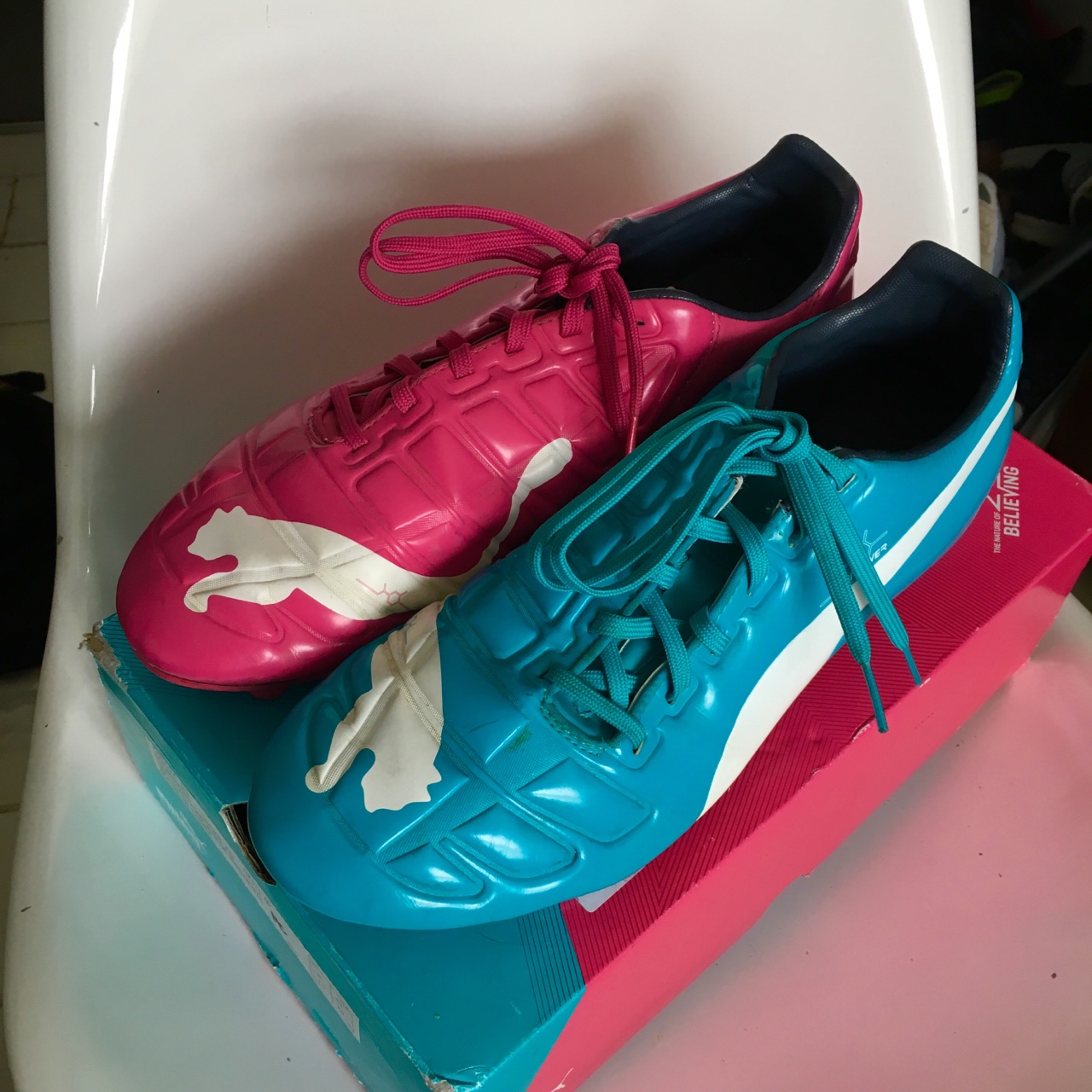 Días laborables blusa privado  puma football shoes pink and blue61% OFF Puma Shoes