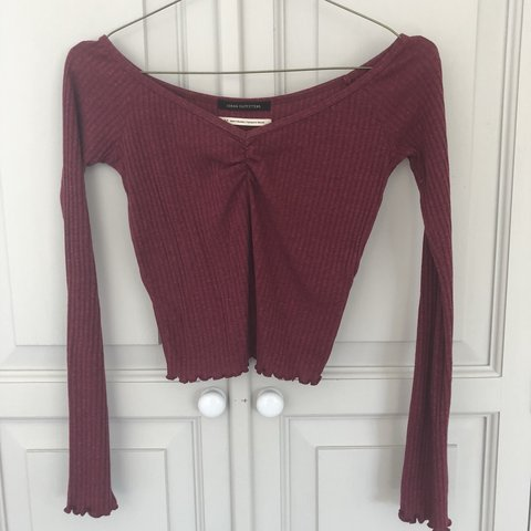 48e1aba3677bc1 Urban outfitters long sleeve burgundy crop top Perfect - fit - Depop