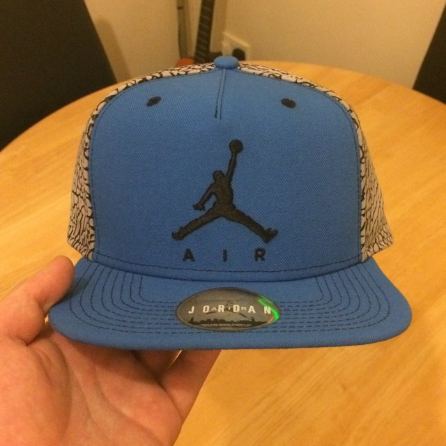 0bcba3542076  josh92. 5 years ago. Jordan SnapBack cap. Made to go with the sport blue 3s .