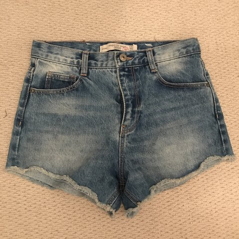 24a40f35 @laviniar. 10 months ago. London, United Kingdom. Brand new Zara denim  shorts, size Eur 34- UK size 6.
