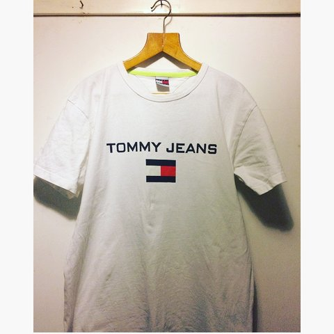 3e101803 @arthurroberts_. 2 months ago. Newcastle Upon Tyne, United Kingdom. Tommy  Hilfiger tommy jeans logo T-shirt ...