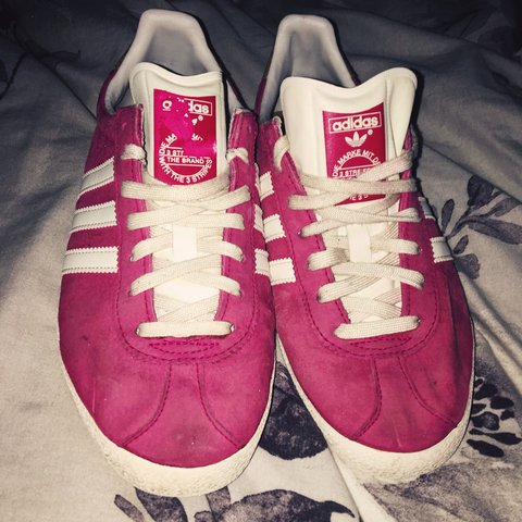 on sale 27b89 cf964 Adidas Gazelle Pink shoes. Bought- 0