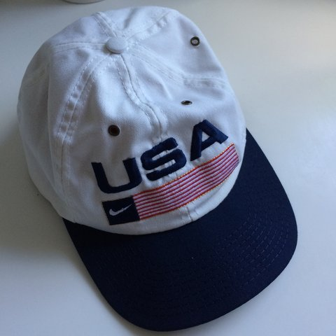 469e7b1bc5d Vintage Nike SnapBack cap in excellent condition. Price polo - Depop