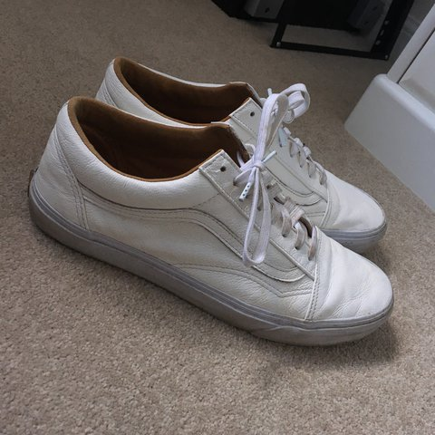 c251db0848e091 White OldSkool Vans in leather 9 10 condition