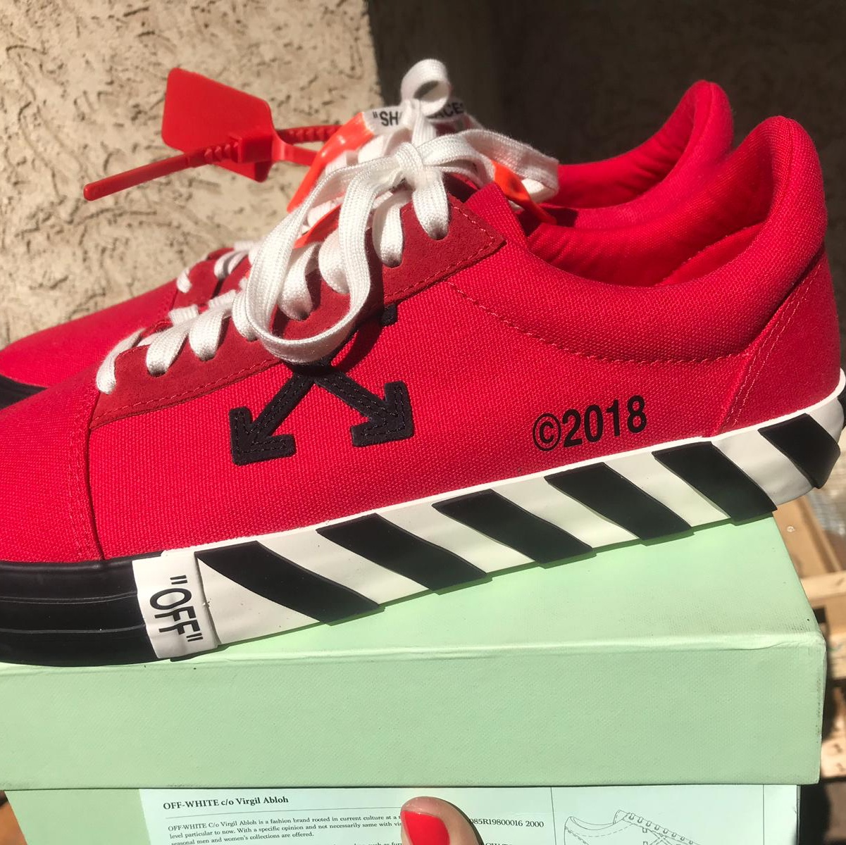 Off white vulc low red. DS. Dm for more