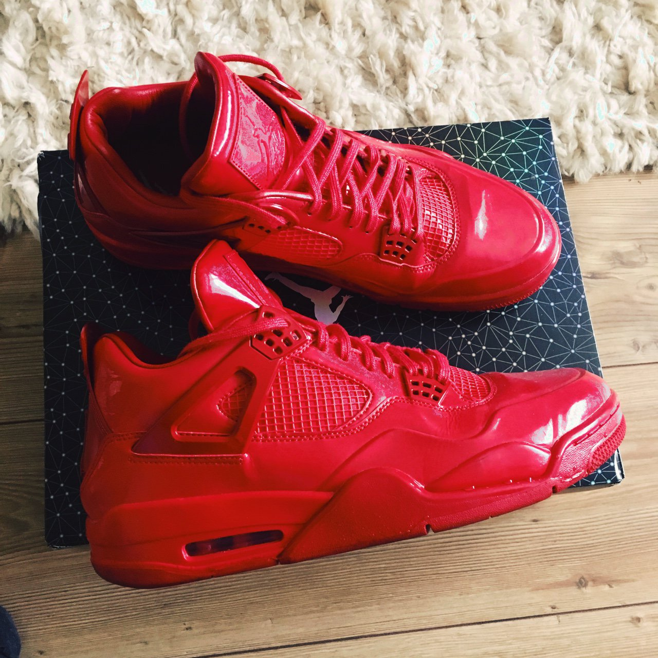 4b9d7c9e8206 Jordan 4 lab red 9 10 condition hardly worn Size 11.5 will - Depop