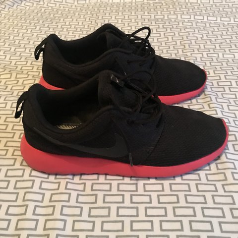 outlet store 74cfd 3583b Nike Roshe Run - Black red soles Size 7.5 UK 9 10 been worn - Depop