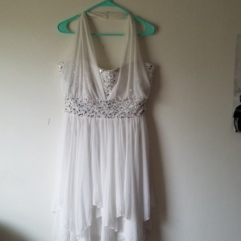 b43e85f3a6d White with sequin accents marilyn monroe styled dress good a - Depop