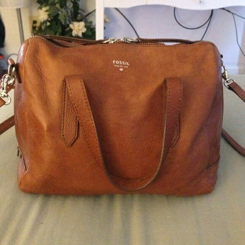 dfc03a6ad648 Fossil Sydney satchel  brown  fossil  leather  satchel - Depop