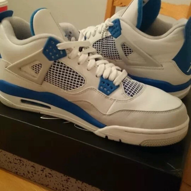 the best attitude c9f84 3828b Jordan retro 4s in White grey and blue for sale.... - Depop