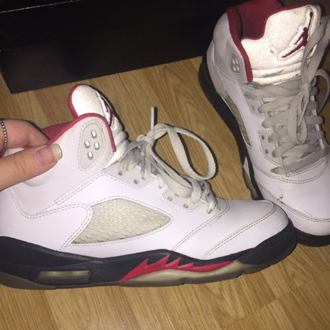 97b60e50533d AIR JORDAN 5 RETRO size 5 still fresh reflective  jordans - Depop