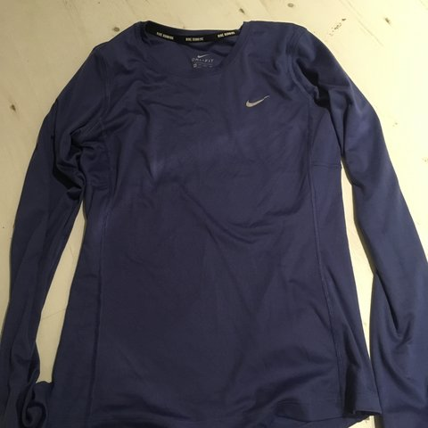 91b0cfbe @11dowdshj. 7 months ago. Alton, United Kingdom. Nike dri-fit long sleeve  running top. Size XS would fit size 8 best. Fab condition