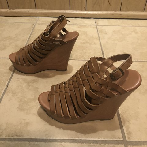 af5fbcd55d8 Women s Mossimo Supply Co. Vivien Strappy Wedge sandals   7 - Depop