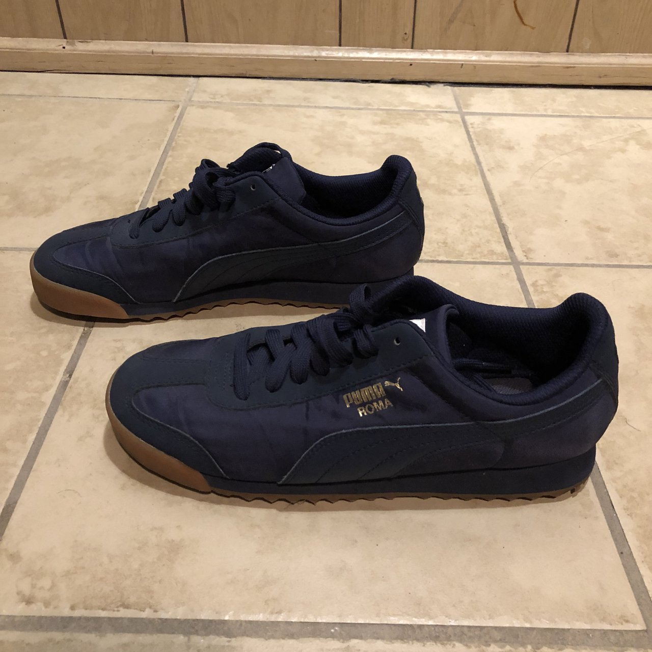 Women s Puma Roma Basic Summer GS Trainers   size 6   great - Depop acb8ad19e0
