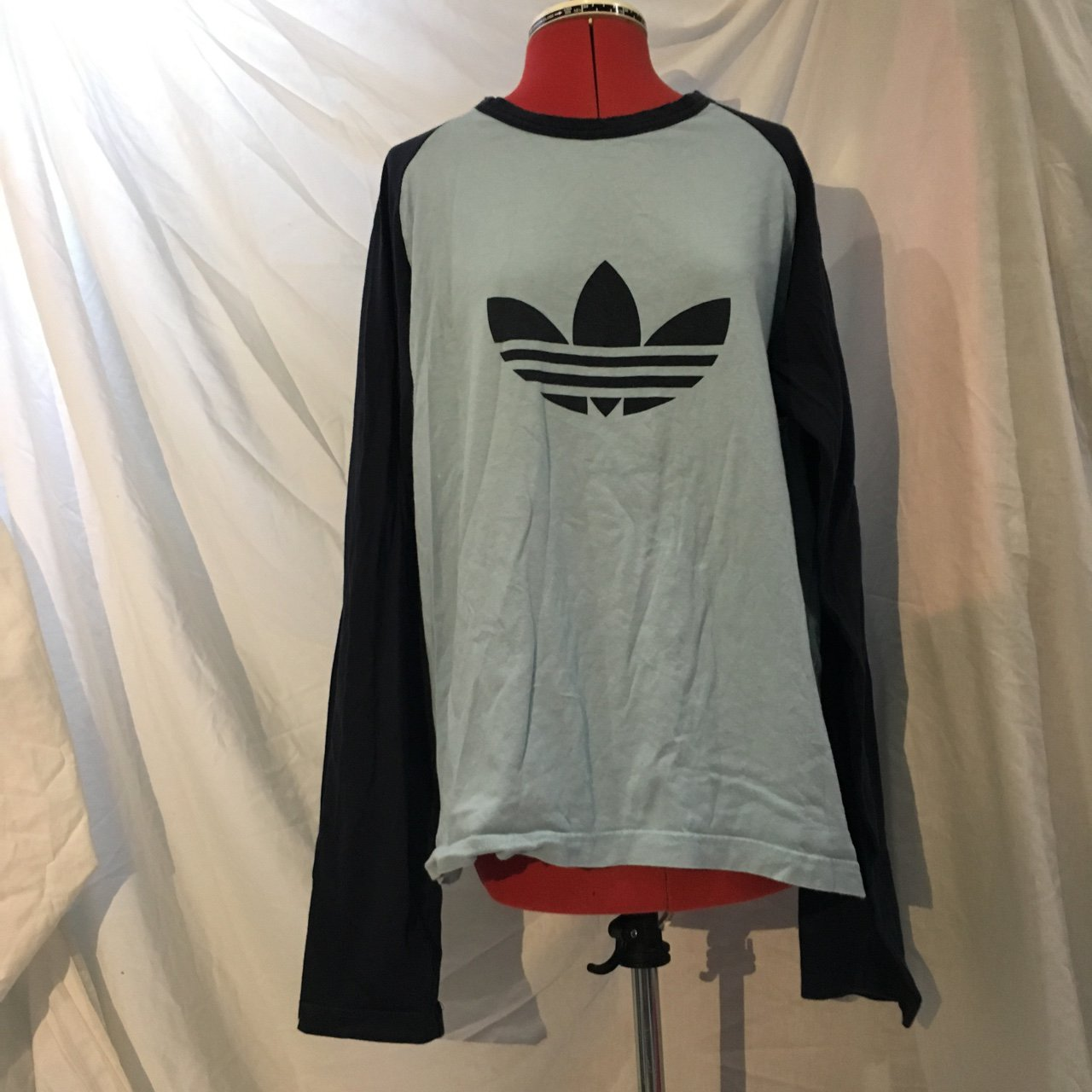 7594c60e34e52 💎Vintage Adidas baby blue   navy long sleeve top 🎈 perfect - Depop