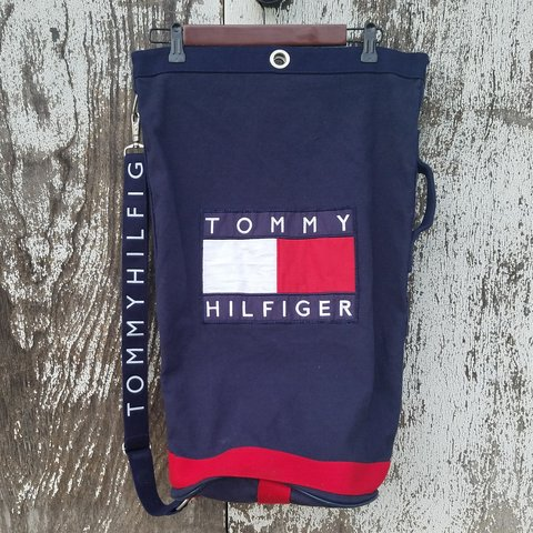 🔥90 S VINTAGE TOMMY HILFIGER CANVAS DUFFLE BAG🔥 Large gym - Depop 85193f16bfd1e