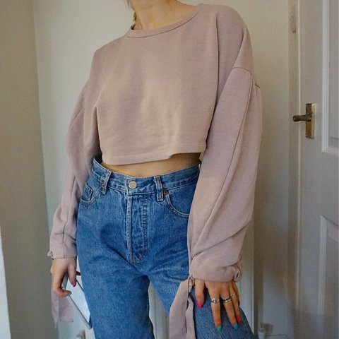 c70442be Zara nude cropped sweater with arm detailing // very good 6 - Depop