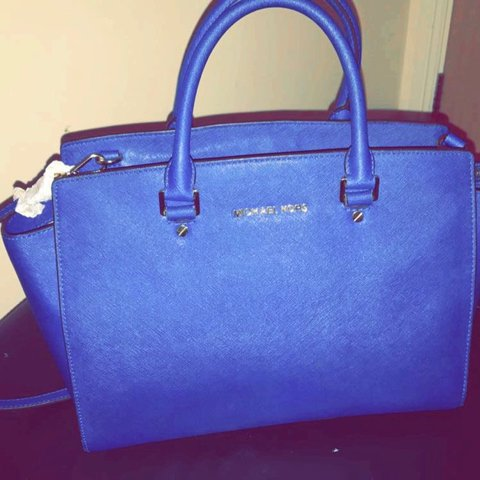 3a1584ed45401 100% Authentic Michael Kors large Selma Saffiano blue. from - Depop