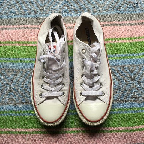 338a2f4226d0 White Chuck Taylor converse!!! They re like new because only - Depop