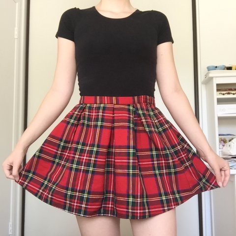 46286e0352 Forever 21 plaid circle skirt. Bought this a few a years ago - Depop