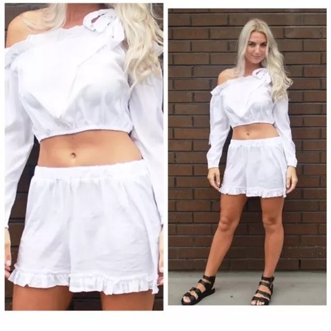412a26f9d0413 White Bardot tie shoulder co-ord - Shorts and Bardot top for - Depop
