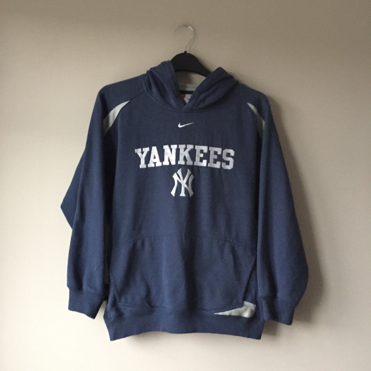 hot sale online 9729e 0932b VINTAGE NIKE NEW YORK YANKEES HOODIE WITH... - Depop