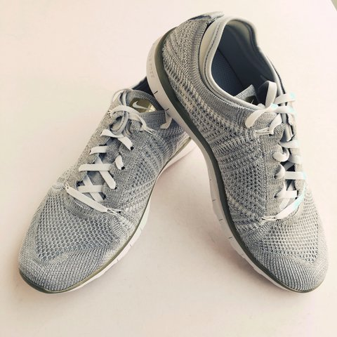 0681348e91bc  snowy136. 2 years ago. United Kingdom. Nike Women s Flyknit TR 5 Mtlc trainers  size 7 UK