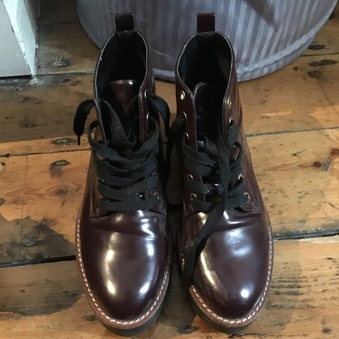 b7f65c66ca9 ADORABLE kickers doc Martin style burgundy boots. Size 6. in - Depop