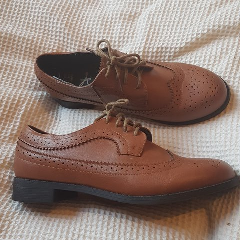bad6e6ec87f69 Ladies brown brogue style shoes Size- 0