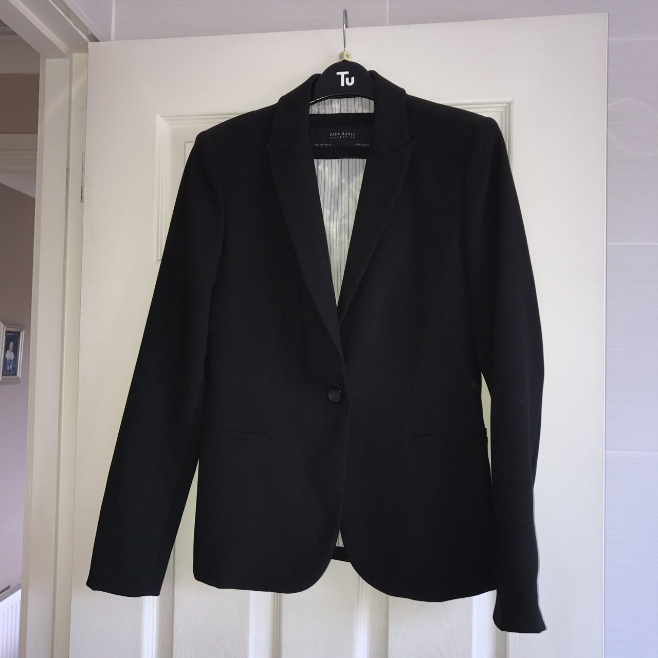 b2b2b65e5ccb @chelseyscott. last year. Wishaw, United Kingdom. Zara black female suit  jacket / blazer. Brand new never worn