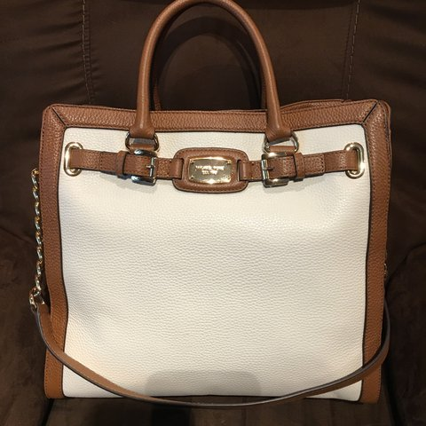 cee20666a2a9dd @antonieta0217. 2 years ago. Franklin Township, United States. Authentic  Michael kors Hamilton large leather bag.