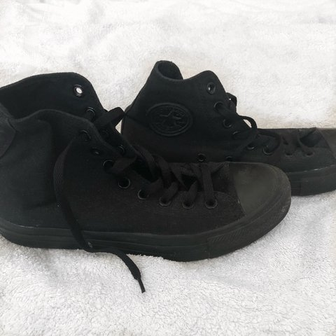 190fb5936e70 CONVERSE Chuck Taylor All Star Classic Colour High Top Black - Depop
