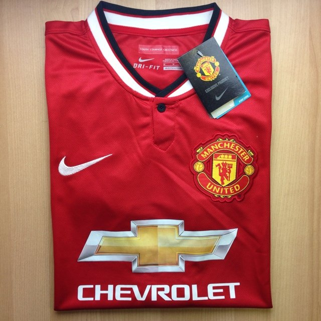 9c26dc64ebe8 Authentic Nike 2014 Manchester United Home Kit. Shirt has no - Depop