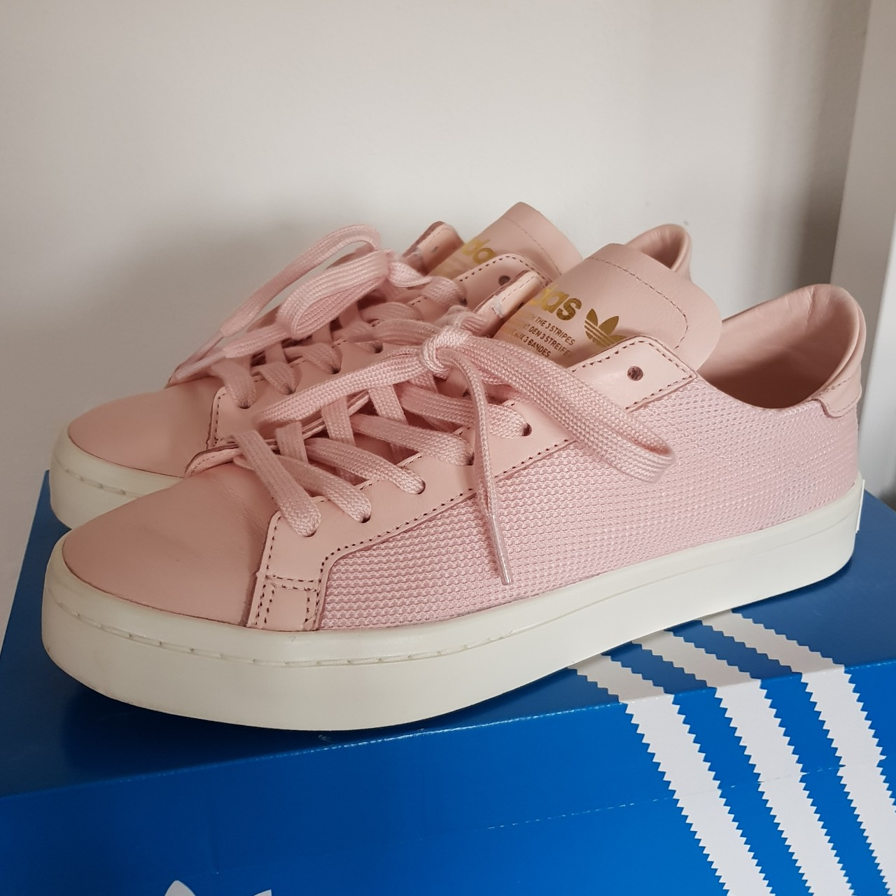 Ice Pink/White Adidas Court Vantage Trainers. SIZE...