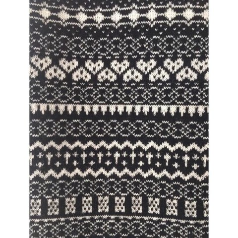 dbb13182bb @milessxx. 2 years ago. Winkfield Row, United Kingdom. New Look black and white  patterned knitted mini skirt, size ...