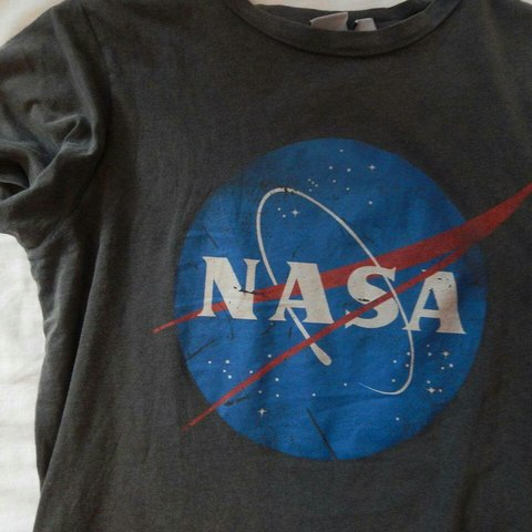 dc691a50 @vintagonista. last year. United Kingdom, GB. Primark grey NASA t shirt  top. In excellent condition .