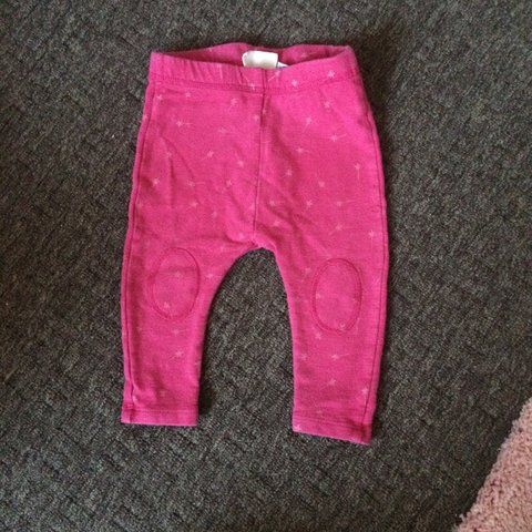 70bd349339840 @lozabab. 3 years ago. Brierley Hill, West Midlands, UK. Zara baby girl pink  wand leggings 3-6 months ...