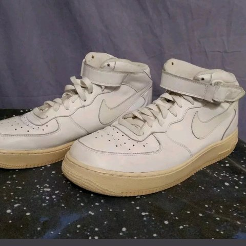 new products b7941 925b9 FEBRUARY PRICE DROP! NIKE AIR FORCE 1 MID  07 Men s 11  - Depop
