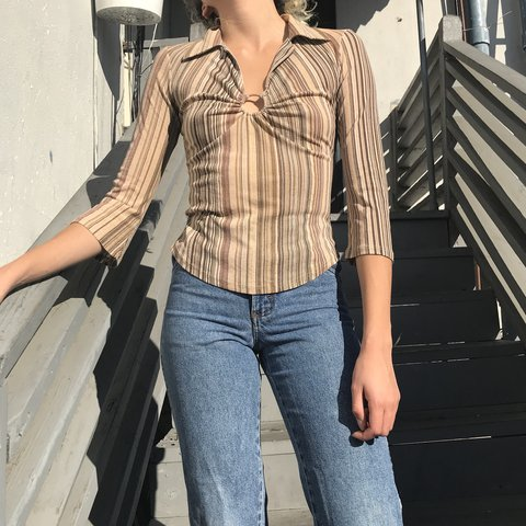 Super Cute 70s Style Top In A Light And Stretchy Chiffon It