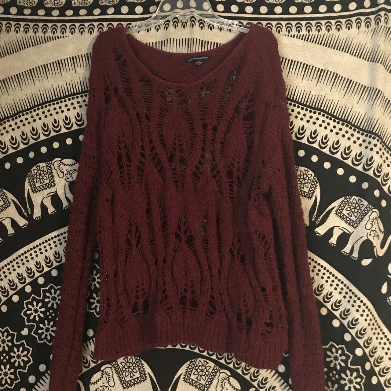 dc7a2e5791 🌹MAROON LOOSE KNIT SWEATER🌹 Size  M -American Eagle